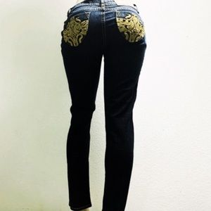 NWT Dereon Dazzling Skinny Blue Jeans 👖